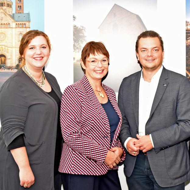 Gruppenfoto mit Petra Kruppenbacher